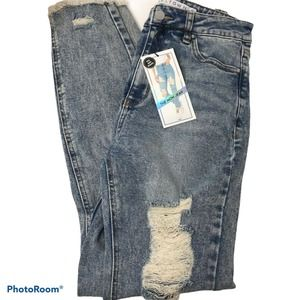 Tinseltown Women's Mom Jeans Distressed Size 5 NWT